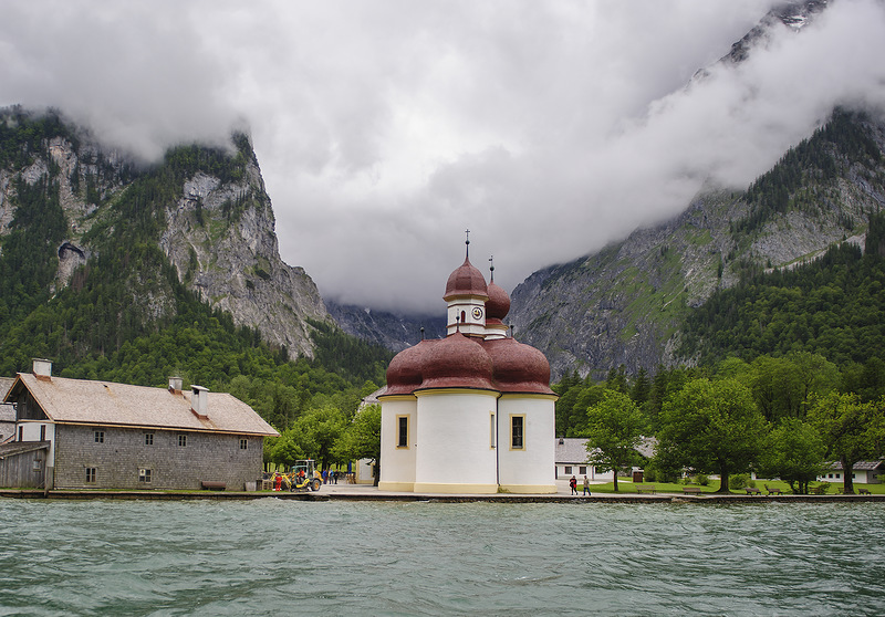 Церква святого Варфоломія на озері Кьонігсзеє, Німеччина, Баварія